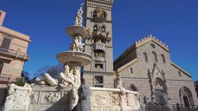MESSINA Duomo katedra z astronomicznym zegarem i fontann? Orion w 4k MESSINA, W?OCHY, LISTOPAD - 06, 2018 - zbiory wideo