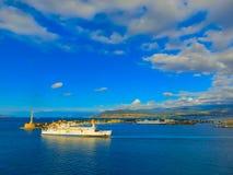 Messina Sicilien, Italien - Maj 05, 2014: Sikten av port av Messina, den huvudsakliga ingången av porten Royaltyfri Bild
