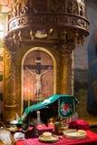 Messkelch für Kommunion im orthodoxen Kloster kiew Stockbild