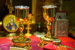 Messkelch für Kommunion im orthodoxen Kloster kiew Stockfoto