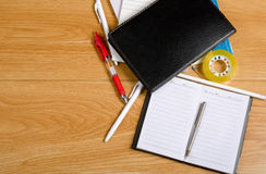 Free Messy Desk Royalty Free Stock Photography - 67519627