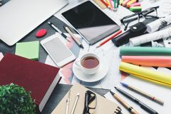 Free Messy Office Desk Top Stock Photography - 110672252