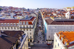 Mest berömd gata i Lissabon - Augusta Street - LISSABONET - PORTUGAL - JUNI 17, 2017 Arkivbild