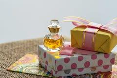 Mest bra hälsningar för de älskade flickablommorna och en souvenir eller en överraskning Royaltyfri Foto