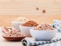 Mest bra ris för hela ris för korn traditionella thailändska för sunt och clea arkivbild