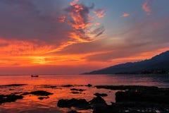 Mest fantastisk solnedgång på Adriatiskt havet royaltyfria foton