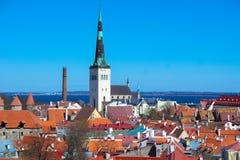 Mest framstående av Tallinn horisont arkivbilder