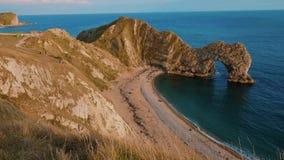 Mest härlig ställen i England - den Durdle dörren nära Dorset arkivfilmer
