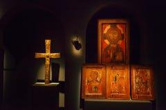 Mestia, Georgia - 25 de abril de 2017: Pasillo interior del museo de Svaneti de la historia y de la etnografía Imagen de archivo libre de regalías