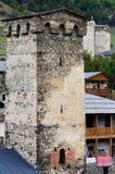 Mestia versterkte toren, beroemd middeleeuws oriëntatiepunt, Georgië Stock Fotografie