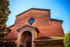 MESTRE ITALIEN - AUGUSTI 22, 2016: Berömda arkitektoniska monument och fasader av stadsbyggnader i den Mestre närbilden Royaltyfria Bilder
