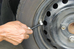 Mesure de pneu Photographie stock