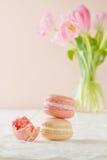 Metà della pila di Macaron alimentare Fotografia Stock Libera da Diritti
