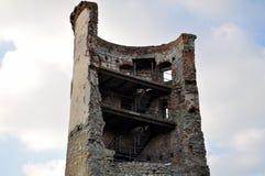 Metà della torre in rovine Fotografia Stock