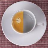 Metà di caffè espresso immagine stock