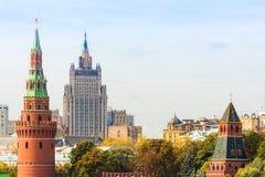 METÀ DI a Mosca con la torre di Cremlino Fotografia Stock Libera da Diritti