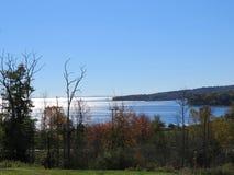 Metà di vista della linea costiera di Maine della baia Immagine Stock Libera da Diritti