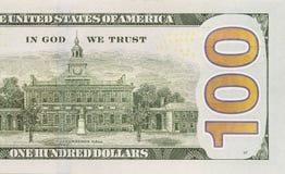 Metà giusta posteriore della banconota in dollari di nuovo cento fotografia stock libera da diritti