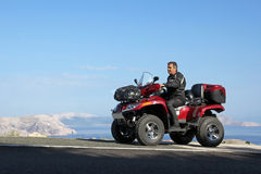Met ATV door Kroatië Stock Foto's