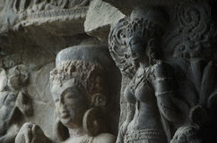 met de Boeddhistische beeldhouwwerken royalty-vrije stock fotografie