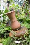 Met de hand gemaakt aardewerk voor het tuinieren Stock Afbeeldingen