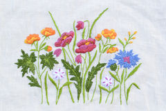 Met de hand gemaakt bloemborduurwerk Royalty-vrije Stock Afbeelding