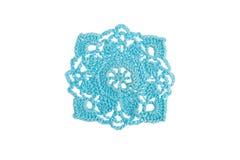 Met de hand gemaakt decoratief die servet, met kleurrijke draden wordt gehaakt stock afbeeldingen