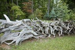 Met de hand gemaakt houten Cedar Fence Royalty-vrije Stock Foto's