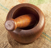 Met de hand gemaakt houten mortier Royalty-vrije Stock Foto's