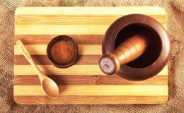 Met de hand gemaakt houten mortier Royalty-vrije Stock Afbeeldingen