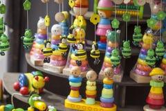 Met de hand gemaakt houten speelgoed Stock Afbeeldingen