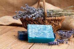 Met de hand gemaakte de zeepstaven van de lavendel stock afbeelding