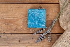 Met de hand gemaakte de zeepstaven van de lavendel Royalty-vrije Stock Afbeelding