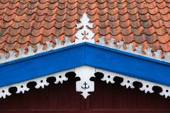 Met de hand gemaakte decoratie op vissers` s huis Horizontale mening royalty-vrije stock afbeelding