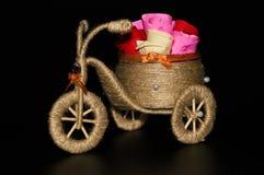 Met de hand gemaakte decoratieve driewieler Stock Foto's