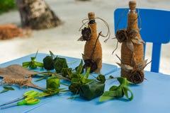 Met de hand gemaakte die herinneringen van palmbladeren worden gemaakt op de lijst royalty-vrije stock fotografie