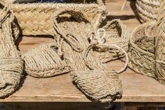 met de hand gemaakte die sandals van esparto wordt gemaakt royalty-vrije stock foto's