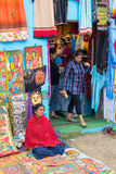 Met de hand gemaakte geschilderde kleren, Indische ambachtenmarkt in Kolkata Stock Afbeelding