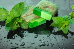 Met de hand gemaakte groene zeep Stock Foto