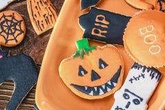Met de hand gemaakte Halloween-koekjes Stock Afbeeldingen
