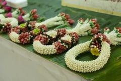 Met de hand gemaakte jasmijnslinger Vakmanschap Thaise traditie royalty-vrije stock foto
