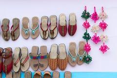 Met de hand gemaakte juteschoenen, Indische ambachtenmarkt Royalty-vrije Stock Fotografie