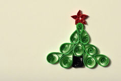 Met de hand gemaakte Kerstboom die van document wordt verwijderd Stock Afbeelding