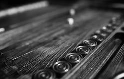 Met de hand gemaakte lijst het spel dobbelen en backgammon het Gokken Royalty-vrije Stock Foto