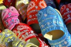 Met de hand gemaakte Marokkaanse schoenen Royalty-vrije Stock Foto