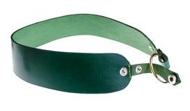 Met de hand gemaakte modieuze groene geïsoleerde leerriem royalty-vrije stock foto
