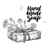 Met de hand gemaakte natuurlijke zeep Vectorhand getrokken illustratie van organisch schoonheidsmiddel met kamille medische bloem royalty-vrije illustratie