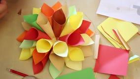 Met de hand gemaakte origami stock video