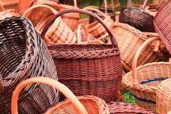 Met de hand gemaakte rieten manden Stock Fotografie