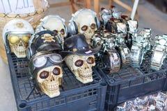 Met de hand gemaakte schedel in een herinneringswinkel royalty-vrije stock afbeelding